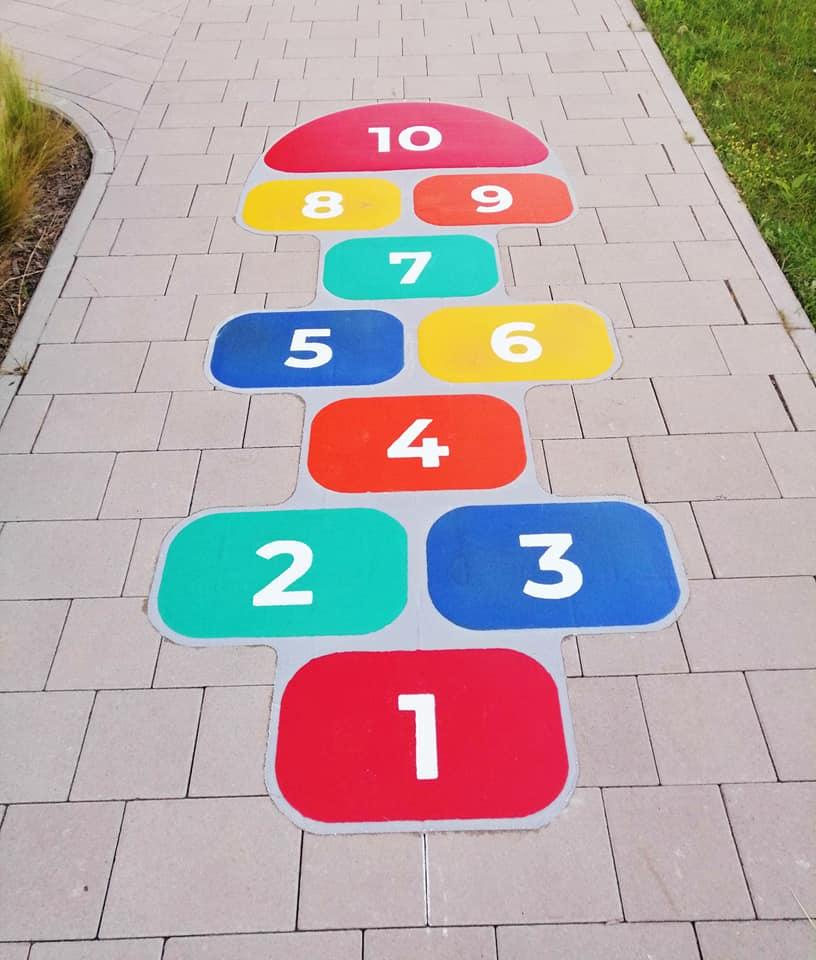 Zdjęcie do projektu Strefa gier chodnikowych dla dzieci